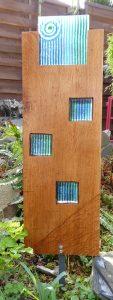 kleine Eichenstele Nr. 25 mit Blau-grünen Fusingglas